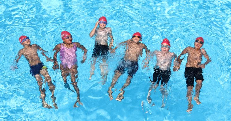 De las piscinas del conjunto residencial al complejo acuático