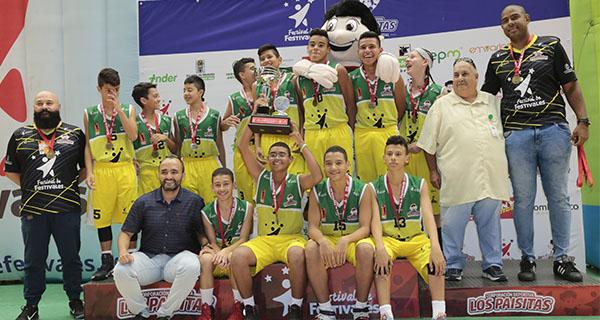 Esgamba en damas e Inder Medellín en varones, campeones del Baloncesto
