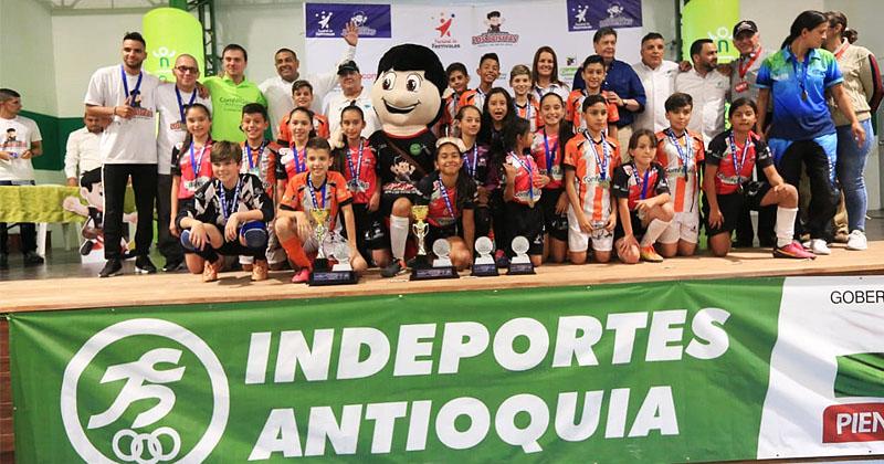 Envigado y Guarne repitieron título en el  Baby Micro Comfenalco Antioquia  del Festival de Festivales 2019